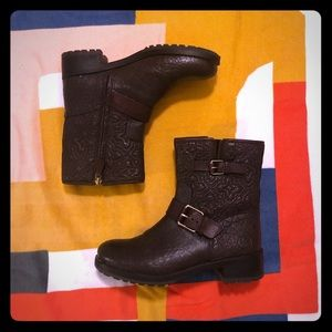 Tory Burch Textured Ankle Boot (Chocolate Brown)